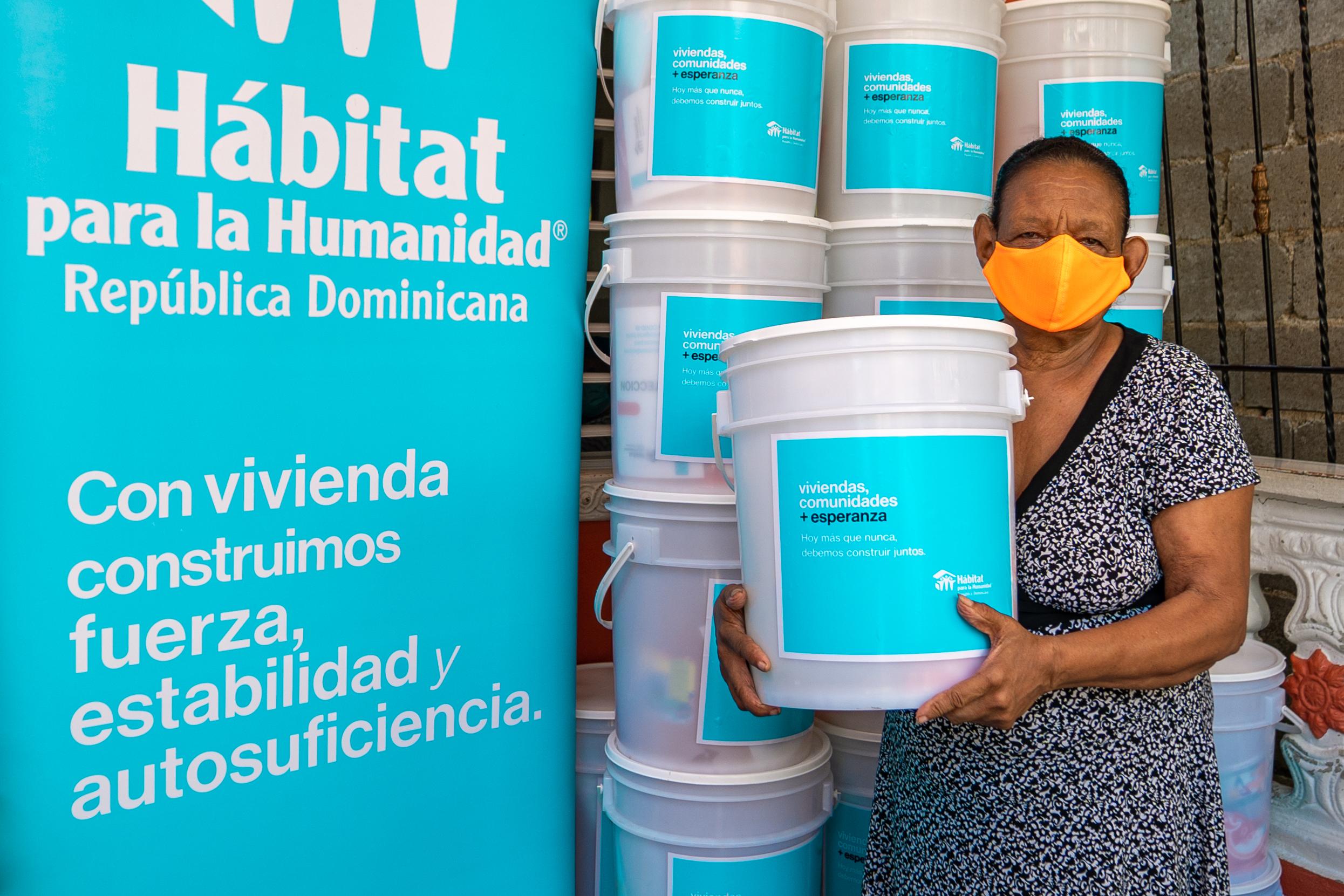 Hábitat para la Humanidad distribuye kits de higiene y vivienda saludable a más de dos mil personas