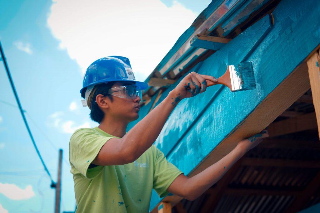 OS ALCARRIZOS, SANTO DOMINGO, REPÚBLICA DOMINICANA. Voluntarios de la brigada de Christiana Shi, de Portland, EEUU, se unieron a propietarios de viviendas Hábitat en República Dominicana para mejorar sus hogares