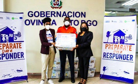 Prepárate para Responder entrega donativos a Defensa Civil y el Área II del Ministerio de Salud Publica